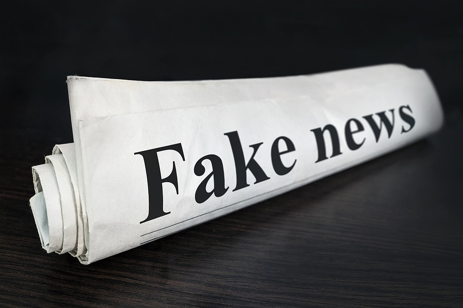 "Picture of a newspaper with the headline ""Fake News"""